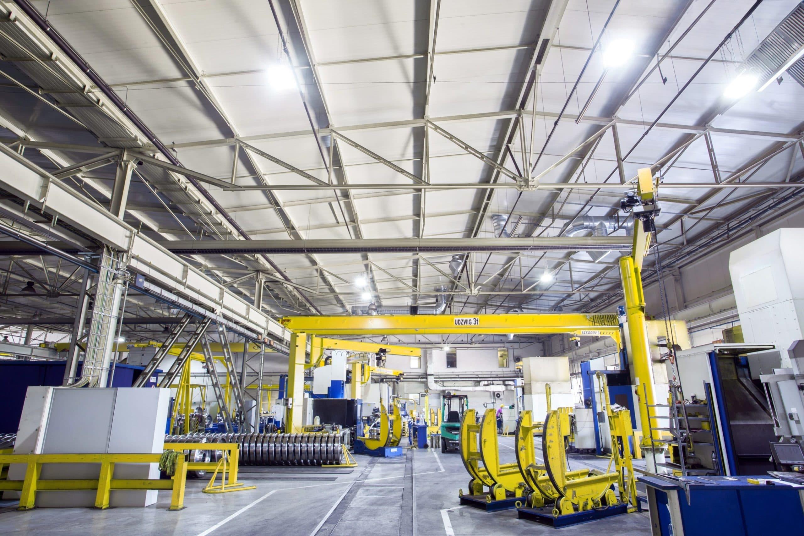 Oświetlenie Highbay w przemysłowej części firmy Lucchini - Luxon LED