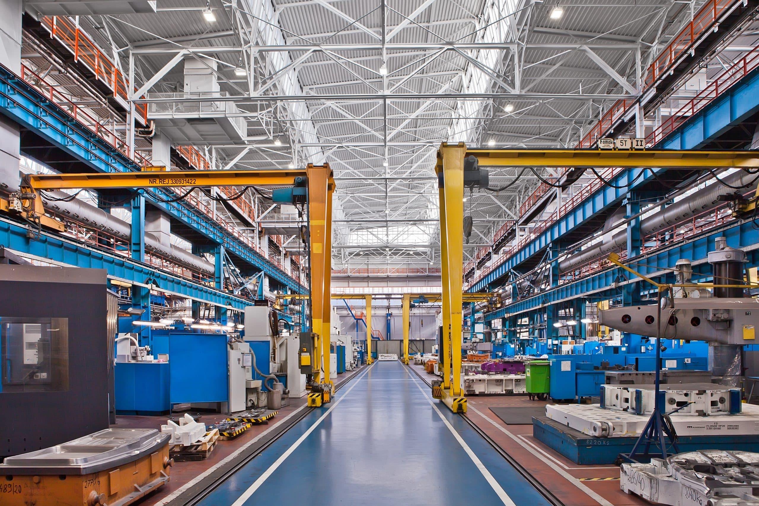Oprawy przemysłowe Highbay w hali produkcyjnej firmy Fiat - Luxon LED