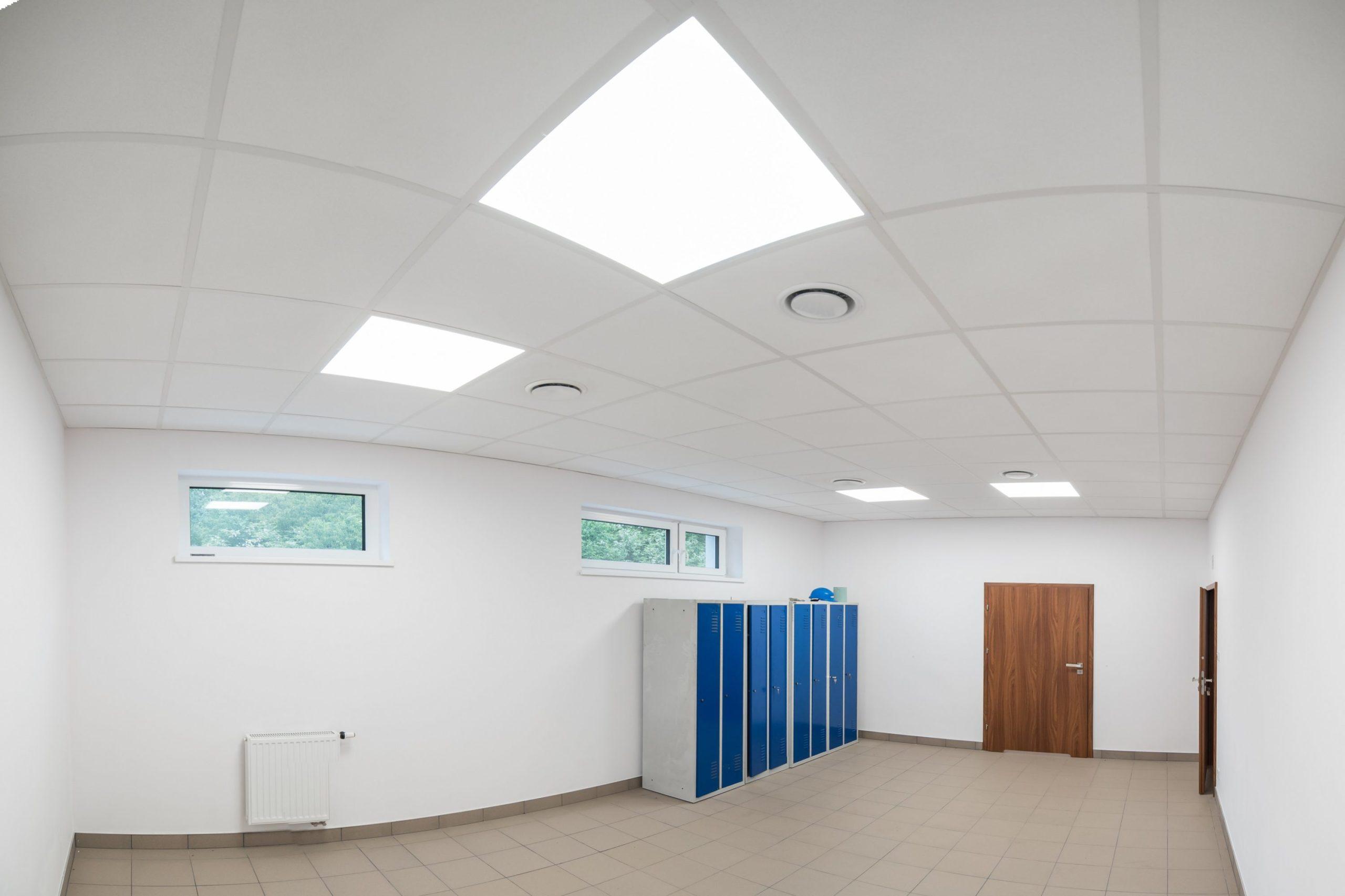 Oprawy biurowe Edge w budynku firmy Agemar - Luxon LED