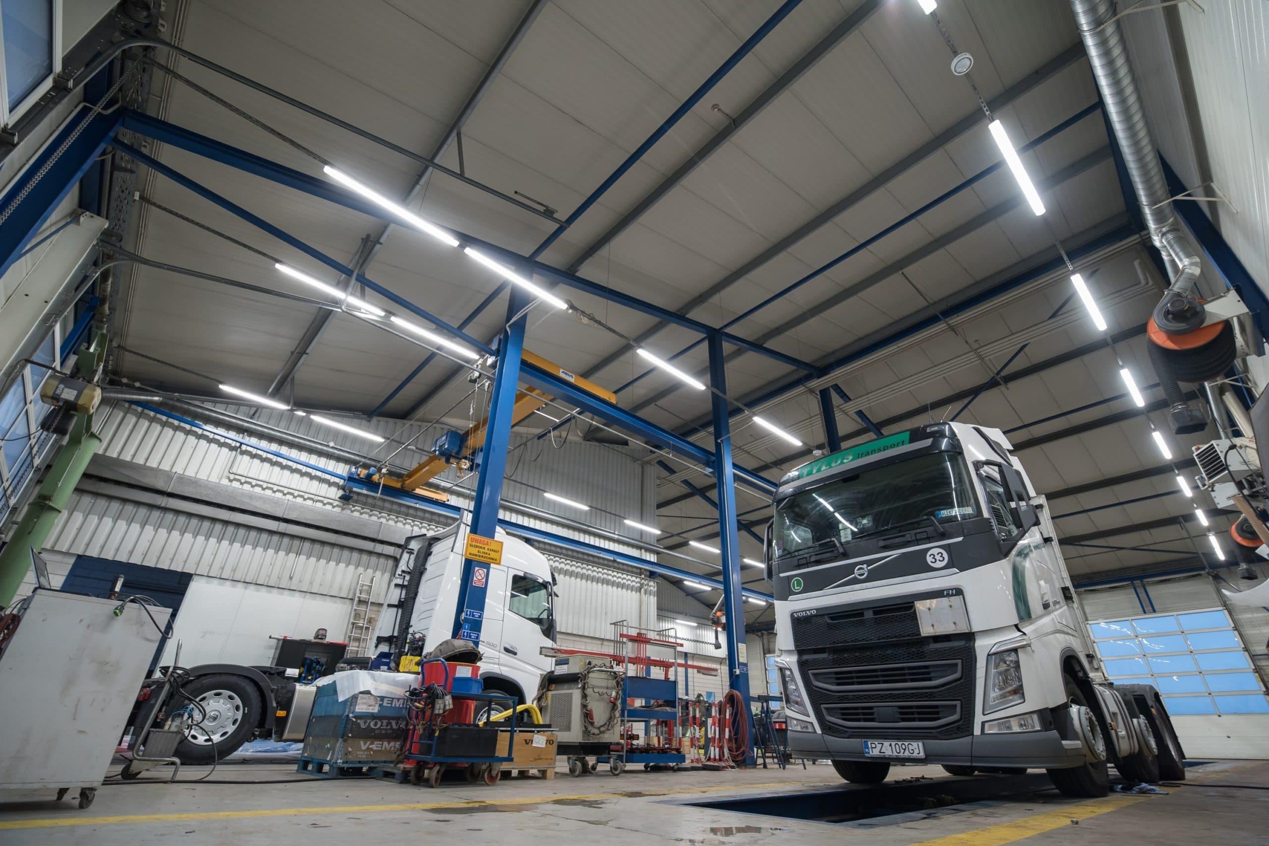 Oprawy Industrial w zmodernizowanym zakładzie samochodowym - Luxon LED