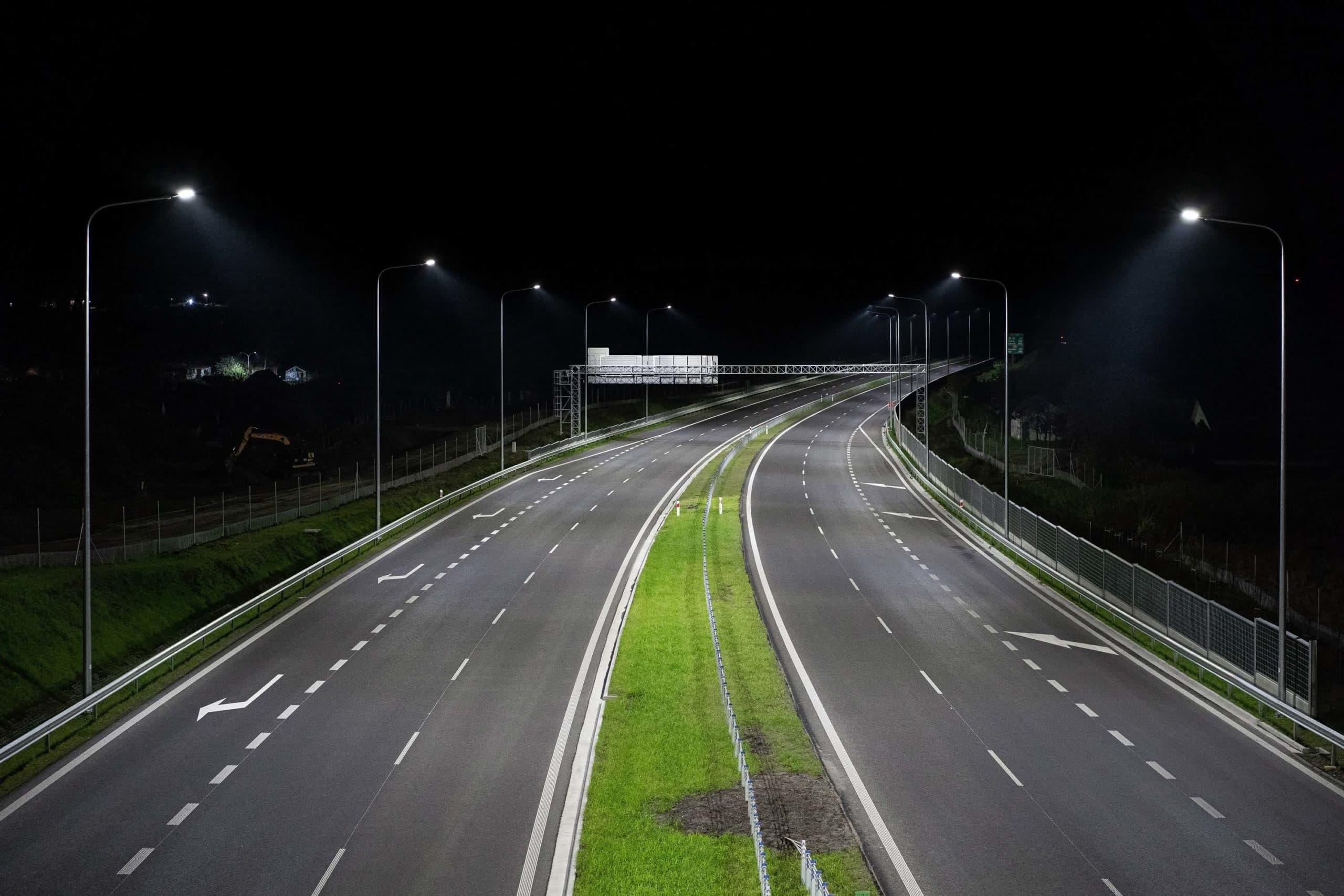 Oświetlenie na drodze ekspresowej